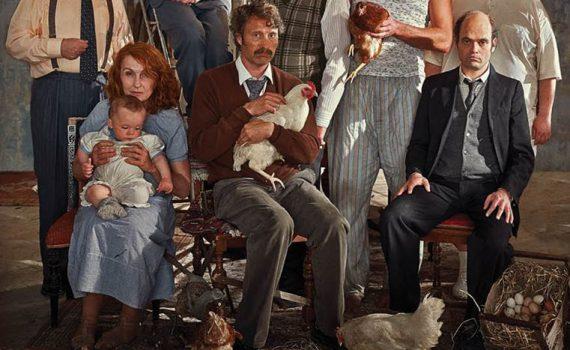 """Affiche du film """"Men & Chicken"""""""