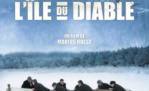 """Affiche du film """"Les Révoltés de l'île du Diable"""""""