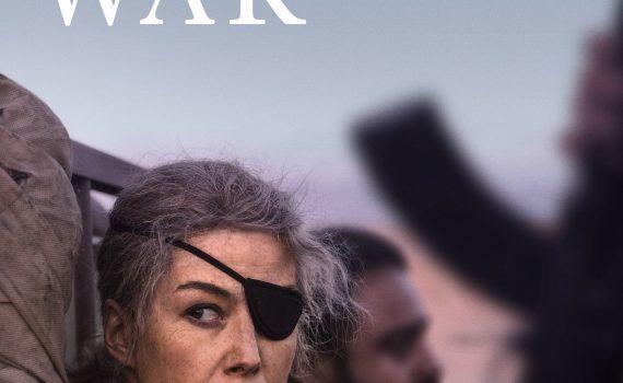 """Affiche du film """"A Private War"""""""